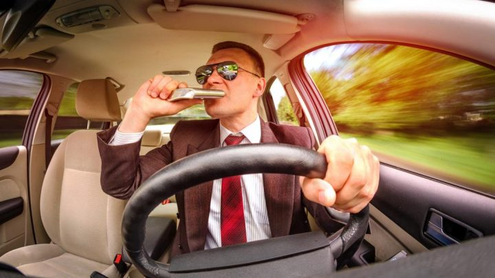 can-passengers-drink-alcohol-in-vehicles